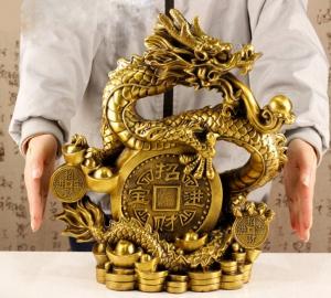 Tượng linh vật rồng cuốn đồng tiền may mắn bằng đồng thau phong thủy Hồng Thắng