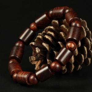 Vòng tay phong thuỷ gỗ Sưa đỏ 12li dạng đốt trúc trơn - Phong thuỷ của danh tiếng và quyền lực