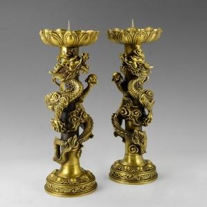 Đôi chấn nến thờ rồng cuốn 3d bằng đồng thau cỡ trung đồ thờ phụng cao cấp Hồng Thắng